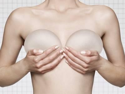 Πονάει η αυξητική στήθους;